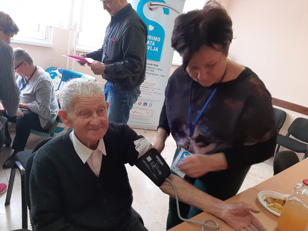 Akcija mjerenja tlaka i šećera u krvi u Novskoj