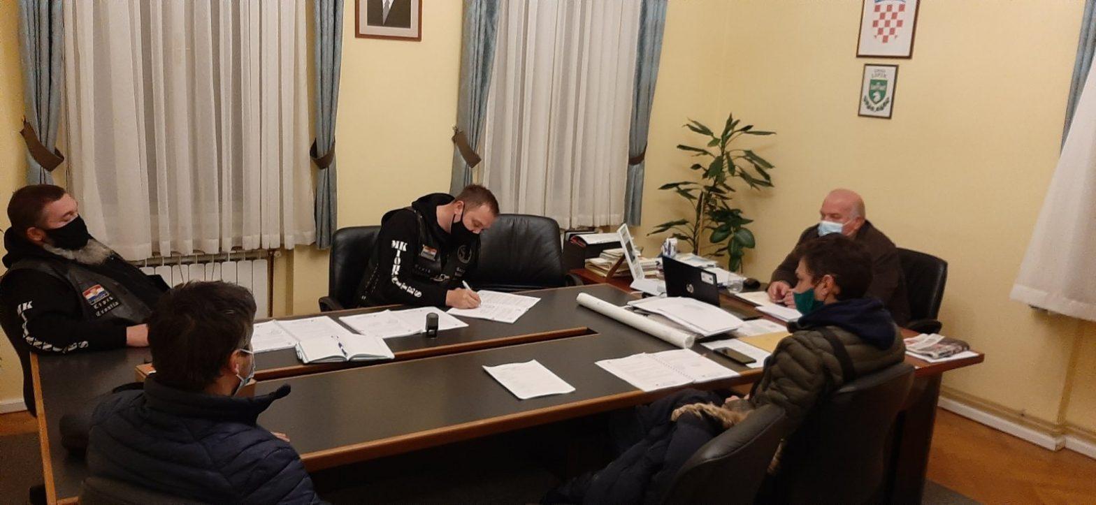 """MOTO KLUB IOHANNITES LIPIK – """"BUZ – BAJKERI U ZAJEDNICI"""" Kroz projekt vrijedan 1,4 milijuna kuna bit će obnovljen društveni dom u Kukunjevcu"""